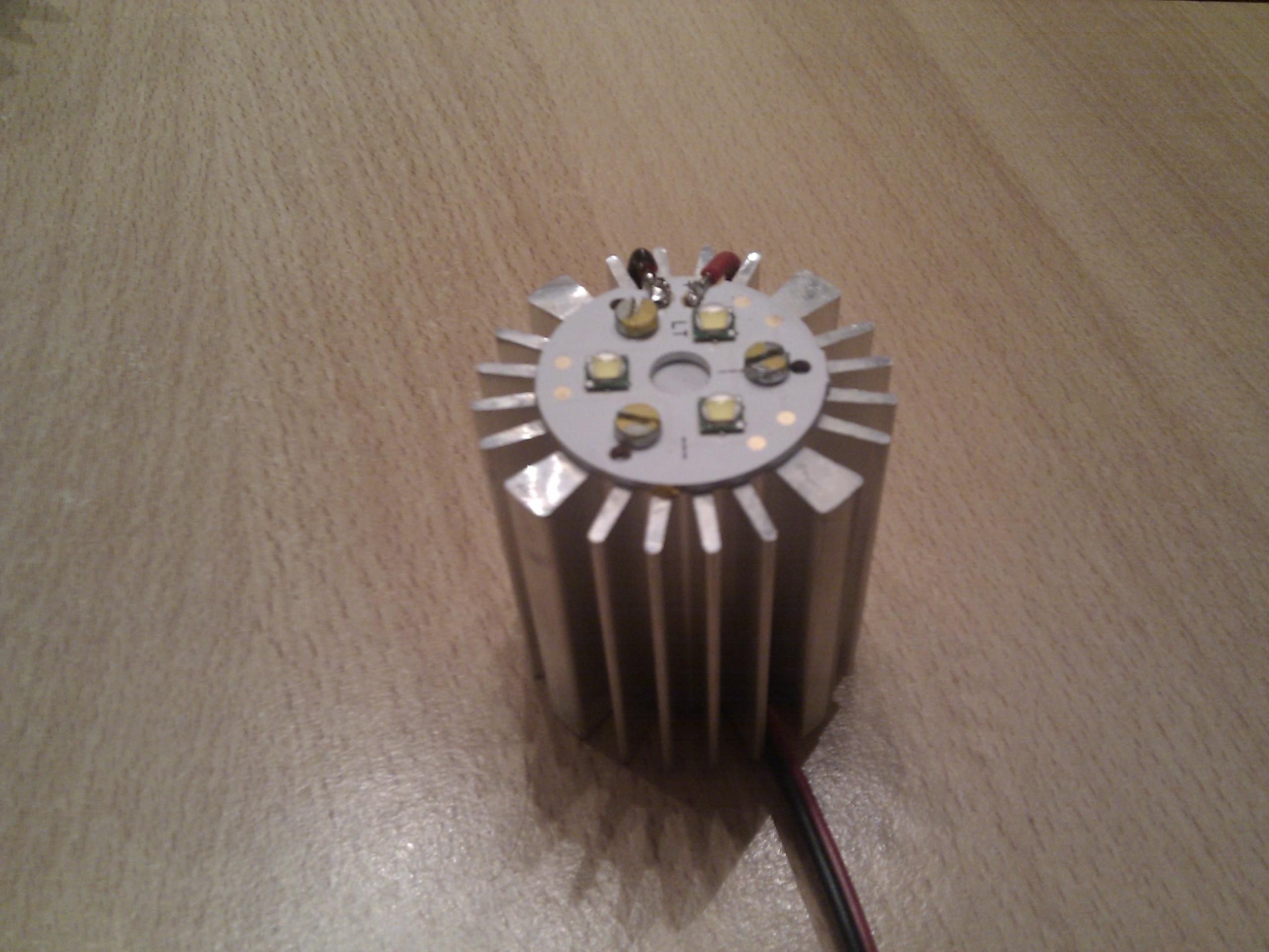 3x XM-L T3 auf rundplatine und Kühlkörper